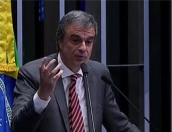 Cardozo fazendo Defesa de Dilma, no Senado